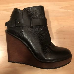 Dolce Vita Colie Wedge Bootie size 8.5
